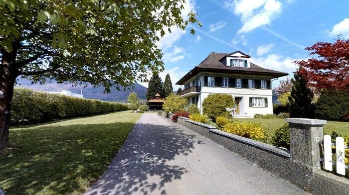 Grosses Wohnhaus mit Wintergarten und antikem Speicher in Niederbuchsiten (SO)