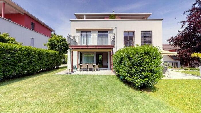 5.5-Zimmer-Doppelhaushälfte in Risch (ZG)