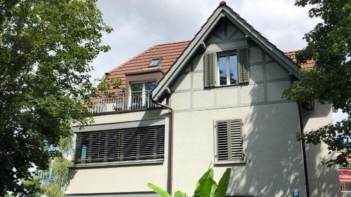 3.5 Zi-Dachwohnung mit Terrasse & Balkon in Seebach (ZH)