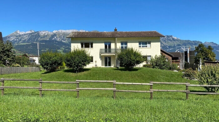 Doppeleinfamilienhaus im Grünen in Grabs